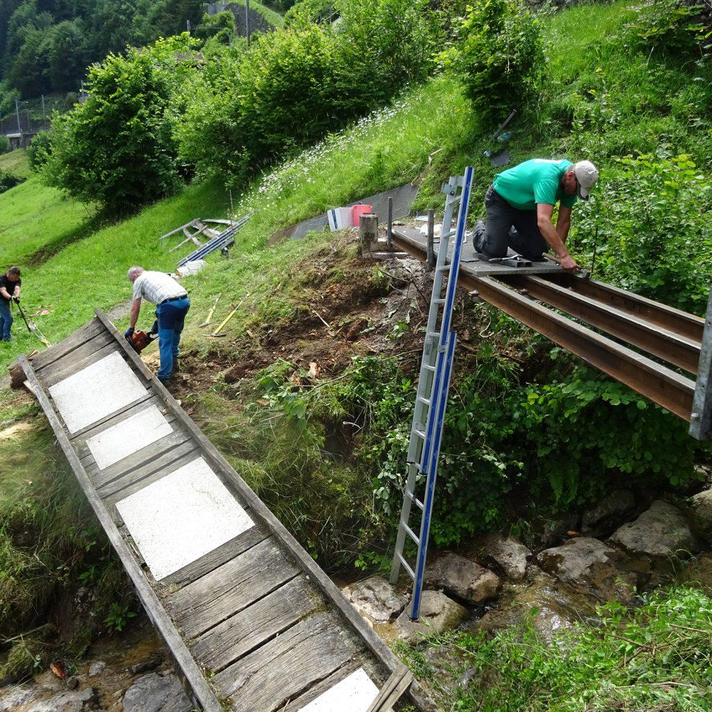 Verkehrsverein Wanderweg-Putzätä Alte Und Neue Brücke
